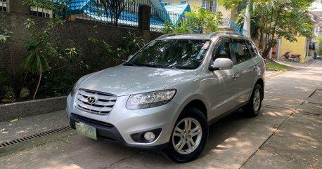 Selling Hyundai Santa Fe 2010