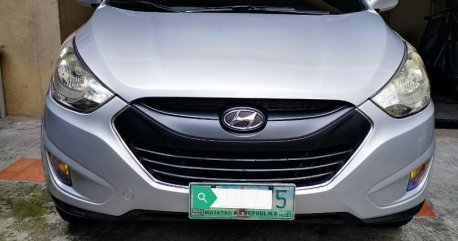 Silver Hyundai Tucson 2010 for sale in Automatic